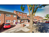 Stunning 4 bed House with Study & Private Garden - Bow, E3