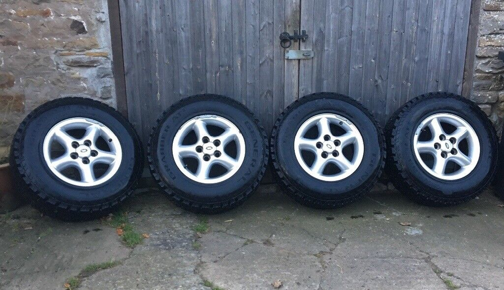 4x General Grabber AT2 tyres on alloy rims