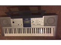 Yamaha PSR E323 Keyboard