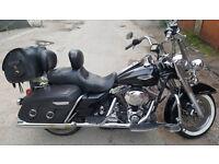 Harley Davidson Road King cruiser not a honda kawasaki yamaha suzuki