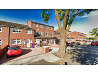 Breathtaking 4 bed House with private garden & study (NO LOUNGE) - Bow, E3
