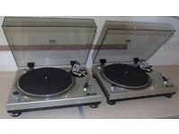 2 x GEMINI PT-2000 Manual Direct-Drive DJ Turntables.