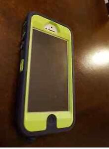 Silver IPhone 5s - Bell; 16gb