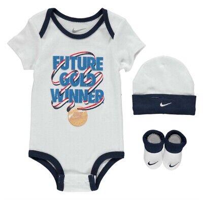475029c71bf59 Nike Bébé Future Gold Medal Winner Lot Chapeau Bottillons A Blanc Bleu 6 -  segunda mano