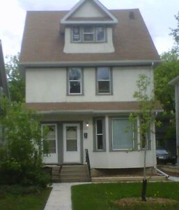 $1250 LARGE DUPLEX FOR MARCH 1ST