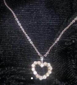 18ct White gold diamond Heart pendant neckless