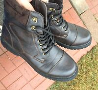 Brand new Men's Boot size 10 - Very good condition !