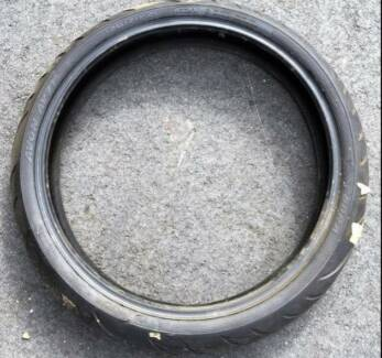 *** Ex-Stock *** BRAND NEW Cobra AV71 Front Tyre 120-70-21