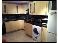 Lovely Double bedroom in 3 bed Flat suitable for 1 (only £106 per week)