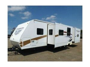 2010  32 ft. Travel Trailer w/ Winter package Prince George British Columbia image 2