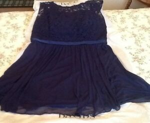 BEAUTIFUL NAVY TEA LENGTH DRESS SUITABLE FOR FORMAL OCCASIONS:B