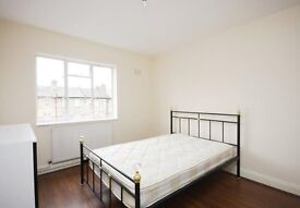 Cheap 2 bedroom top floor apartment within walking distance to Finsbury Park station - Available now