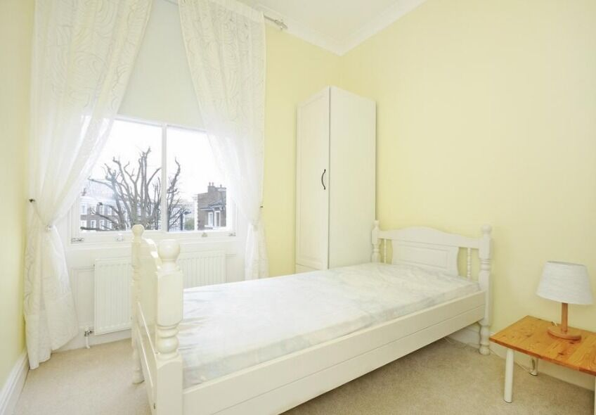 Stunning 3 Bedroom 2 Bathroom Apartment in Bayswater