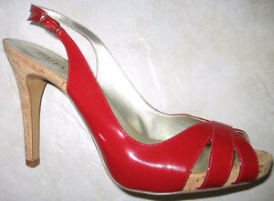 GUESS RED PATENT LEATHER HEELS, SIZE 9
