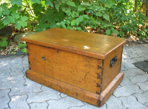 Antique Blanket Boxes, Coffee Tables or Storage Benches Gatineau Ottawa / Gatineau Area image 10