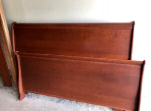 Solid Wood Sleigh Bed Queen Size