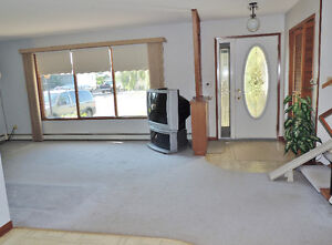 Gravelbourg House For Sale,  NEW  PRICE !!! Moose Jaw Regina Area image 2