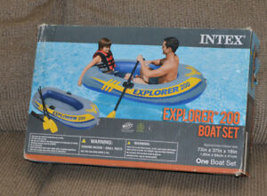 Intex Inflatable Boat  /  Pool Lounge