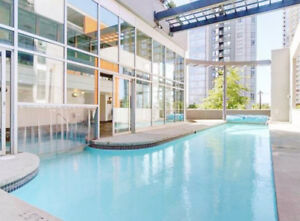 Trendy spacious studio in the heart of Yaletown, with parking!