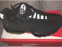 Nike 110's new in box all black size 7 and 8