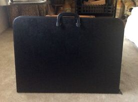 Portfolio Carrying Case, A2, Black, Good Condition, Hardly used!