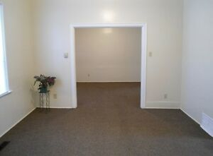 Clean, Large 3 Br in North End $750 + util - 673 Pritchard Ave
