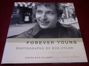 BOB DYLAN Hard Cover Book - Like New - comes with B&W Photos Kitchener / Waterloo Kitchener Area image 1