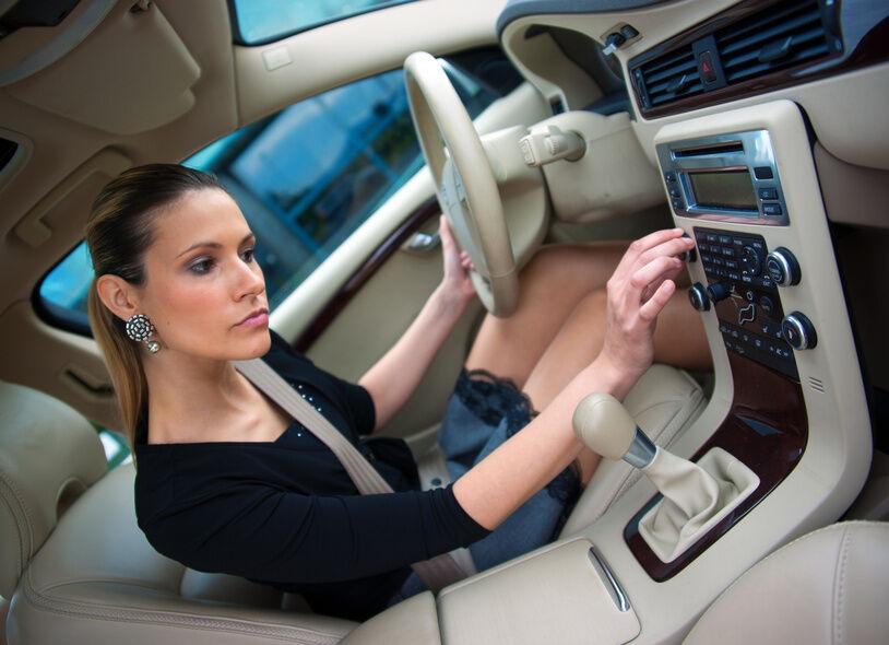 So hört man heute Musik: Bluetooth-Autoradios mit USB-Port