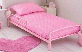Toddler bed pink
