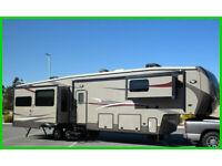 2015 Heartland Gateway 3900SE 5th Wheel RV 40' Sleeps 4 Kitchen Island 4 Slides