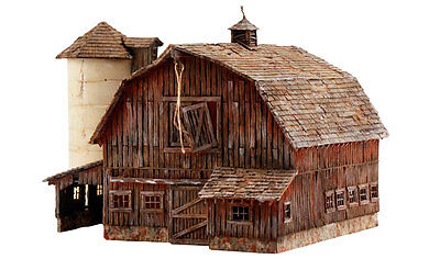 Rustic Barn   N Scale Pre Fab Landmark Structure   Woodland Scenics Pf5211