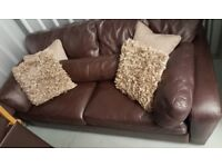 3 seater sofa *Priced to sell asap*