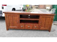 Stunning Extra Long TV Display Unit - Entertainment Station - Storage - Lounge