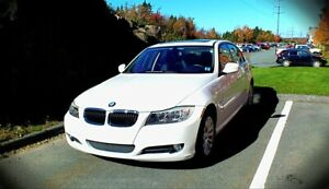 Clean 2009 BMW 323i LOW Kms