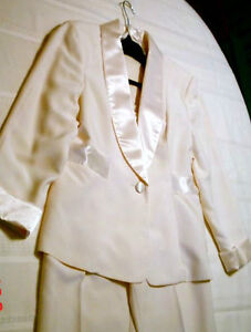 Beautiful Elegant Ivory Tuxedo Suit for Mother of Bride, $50