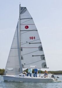 Hunter 22 Sailing Boat Excellent Condition (2011)