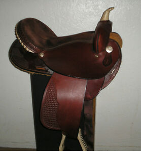 "17"" deep seat like new saddle US made"