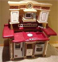 Play kitchen - great condition !