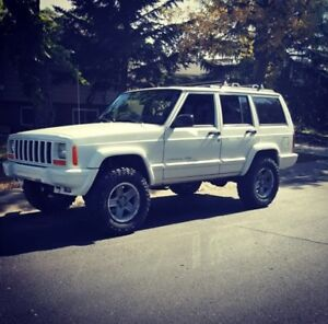 Very clean, rust free. 2000 Cherokee Classic XJ - Lifted