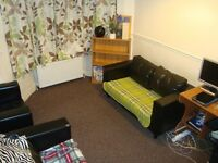 2 Bedrooms First floor Flat, SEVEN KINGS SCHOOL CATCHMENT area, Ilford IG1-- No DSS Please--