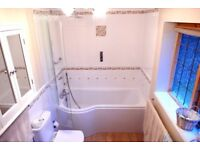 'P Shaped' White Acrylic Bath with Glass Shower Door - very good condition