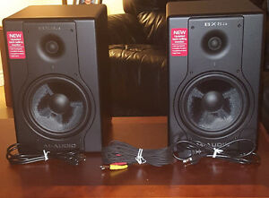 Excellent Condition M-Audio Deluxe Studio Monitors (Speakers)