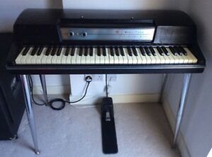 Vintage Wurlitzer 200A Electric Piano