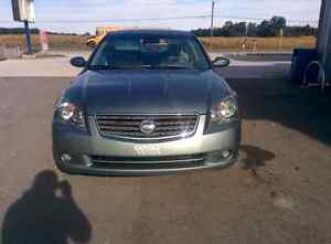 Nissan altima Very low kms!!! Certified+E-Tested !!