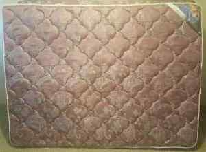 Queen size Setra mattress