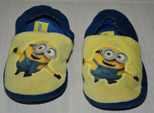Toddler Boy MINIONS Foam Slippers 11/12