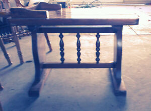 Vintage Heavy Wood Table Price reduced to $20.00 Cornwall Ontario image 3