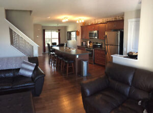 Fully Furnished Duplex for rent in Secord Available Nov 1