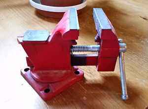 3.5in Table top Vice