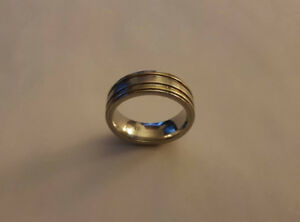 Woman's Ring/ Real Silver